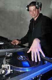 A rendezvény DJ munkája nem egyszerű
